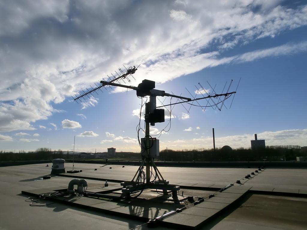 Full Ground Station Kit For Vhf Uhf Isis Innovative