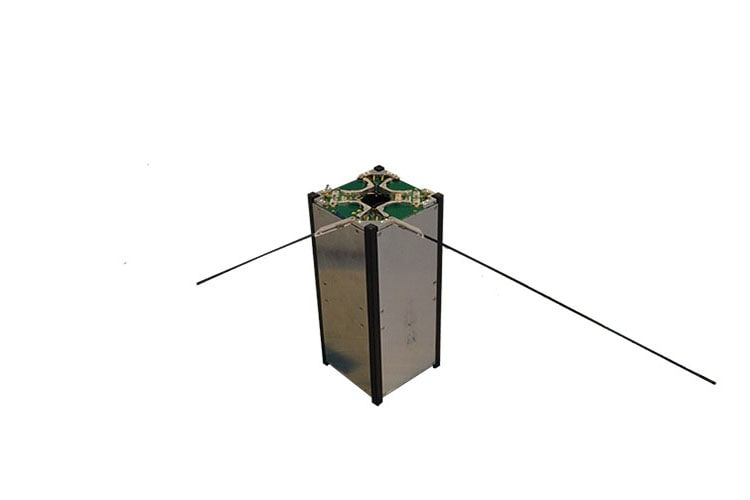 Monopole antenna for cubesats